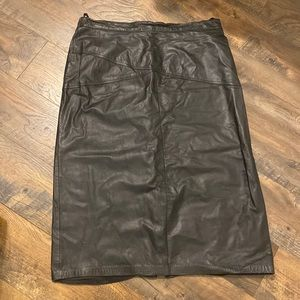 100% leather skirt size 18